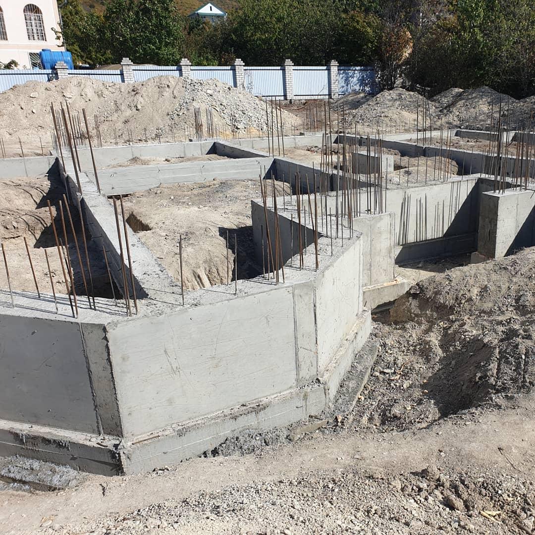Стройка из бетона цементный раствор на потолок